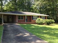 1592 North Avenue Weaver AL, 36277