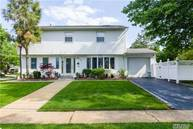 2546 Horace Ct Bellmore NY, 11710