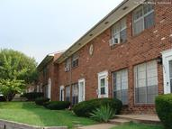Bellecote Townhouse Apartments Overland MO, 63114