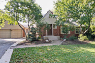 2421 35th Street Oak Brook IL, 60523