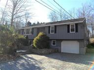 215 Stanavage Rd Colchester CT, 06415