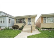 9951 South Perry Avenue Chicago IL, 60628