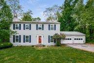 33 Merrywood Rd Wappingers Falls NY, 12590