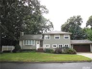 520 Thorn St North Babylon NY, 11703