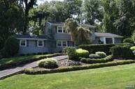 15 Heatherhill Ln Woodcliff Lake NJ, 07677