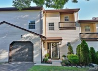 7 Bowfell Ct Wayne NJ, 07470