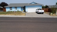 1016 Sw Kenwood St Madras OR, 97741