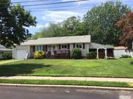 51 Winston Dr Brentwood NY, 11717