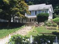 55 Woodhull Landing Rd Sound Beach NY, 11789