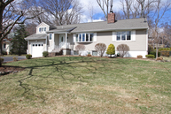 87 Lake Dr W Wayne NJ, 07470
