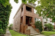 5039 South Artesian Avenue Chicago IL, 60632