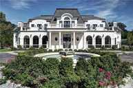 15 Dupont Ct Glen Head NY, 11545