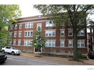 6318 North Rosebury Avenue 2w Clayton MO, 63105