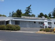 228 Harbor St Florence OR, 97439