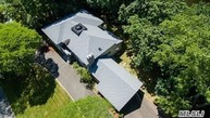 22 Lake Rd Great Neck NY, 11020