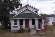 46 Taylor St Lincoln ME, 04457