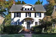 11 W Holly St Cranford NJ, 07016