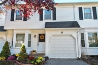 11 Sycamore Rd Middlesex NJ, 08846
