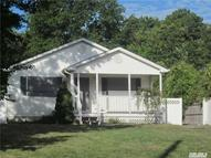 6 Windsor Pl Shirley NY, 11967