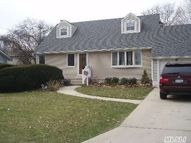 320 W 3rd St Deer Park NY, 11729