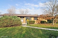 310 Country Lane Cary IL, 60013