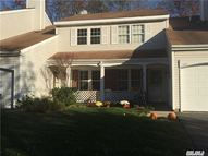 230 Ivy Meadow Ct Middle Island NY, 11953