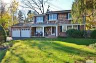 63 Dumbarton Dr Huntington NY, 11743