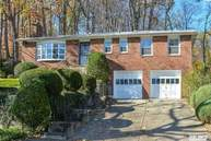 7 Aquaview Ct Huntington NY, 11743