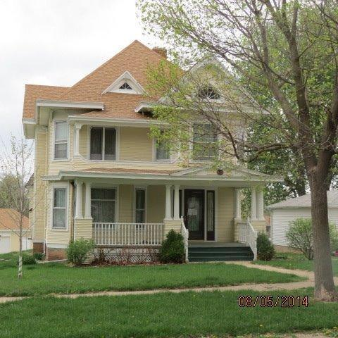402 Pacific St Walnut IA, 51577