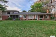 311 S Country Rd Brookhaven NY, 11719