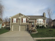 1606 Cove Dr Raymore MO, 64083