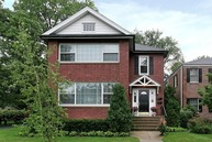 700 Oakwood Avenue 2 Lake Forest IL, 60045