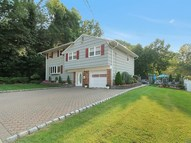 2 Fox Ct Dumont NJ, 07628