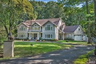 337 W Shore Dr Wyckoff NJ, 07481