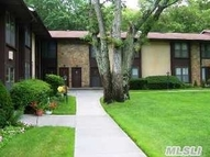 10 Oak Ct 10 Selden NY, 11784