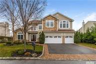 17 Pondview Saint James NY, 11780