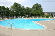 Pickwick Farms Apartments Indianapolis IN, 46260