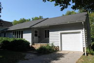 621 N 9th St Estherville IA, 51334