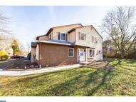 209 S Fieldstone Ct Yardley PA, 19067