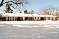 380 Deerpath Square Lake Forest IL, 60045