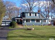 53 N Evergreen Dr Selden NY, 11784