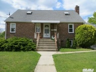 1202 4th St West Babylon NY, 11704