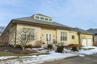 106 Stables Court 106 Highwood IL, 60040
