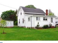806 W Maple St Valley View PA, 17983