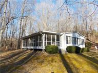51 Honeysuckle Ln Lobelville TN, 37097