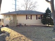 1310 Mchenry Independence MO, 64057