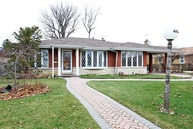 4420 West Greenleaf Avenue Lincolnwood IL, 60712