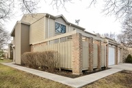 1460 North Picadilly Circle Mount Prospect IL, 60056