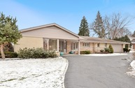 1331 Somerset Drive Glenview IL, 60025