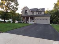 3 Newport Ct Miller Place NY, 11764